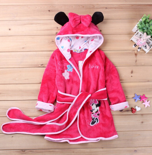 Peignoir sortie de bain minnie mouse le monde de b b for Peignoir de bain fille