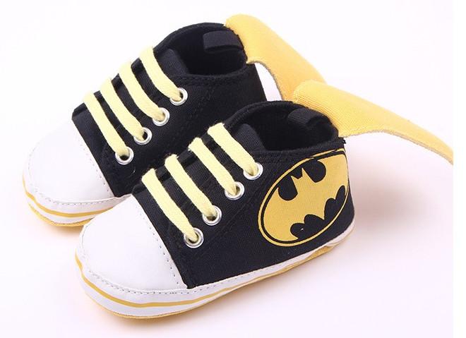 chaussures-batman-cape
